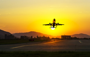 passenger plane fly up