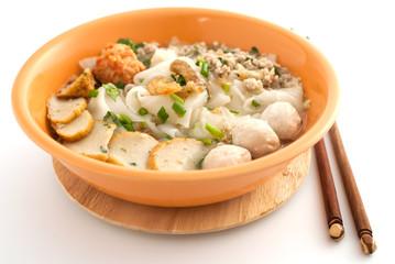 noodle and porkball