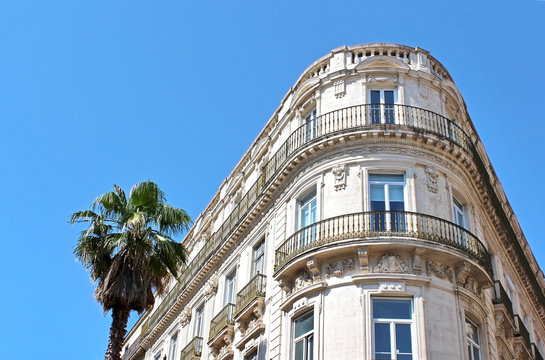 immeuble à angle arrondi - Montpellier