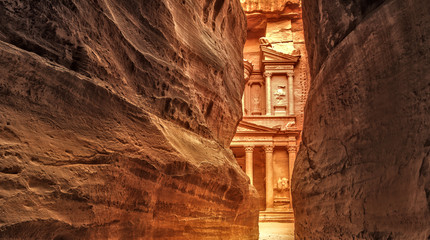 Poster Midden Oosten Siq in Ancient City of Petra, Jordan