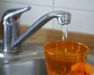Wasser einfüllen
