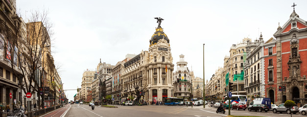 Foto auf Leinwand Madrid Panorama of Crossing the Calle de Alcala and Gran Via in Madrid
