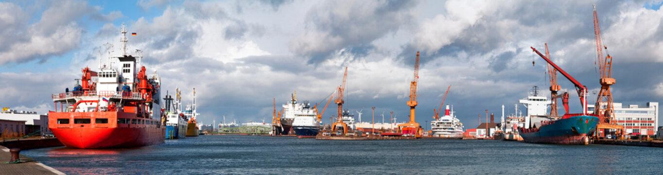 Hafenalltag in Bremerhaven
