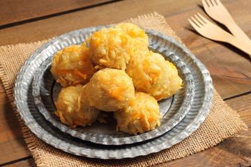 Cheesy potato and bacon bites
