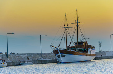 Harbor port in the Caribbean - Fishing boat - trawler