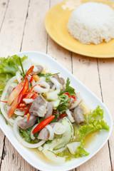 spicy intestines pork salad with vegetable