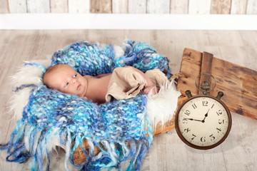 Neugeborenes mit Geburtszeit