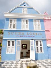 Wall Mural - Scuba Lodge