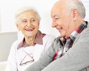 Lachendes Paar Senioren
