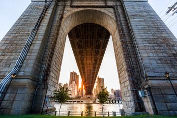 Sun rays under Queensboro bridge, New York