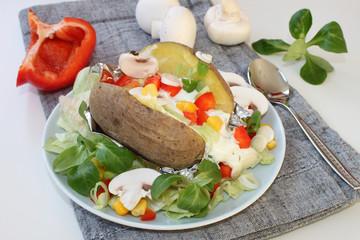 Foliekartoffel mit Gemüse