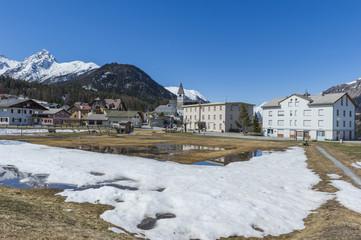 Foto op Canvas Arctica Scuol, Tarasp, Bergdorf, Engadin, Schweizer Alpen