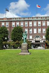 Edvard Grieg Denkmal vor dem Postamt in Bergen