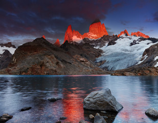 Wall Mural - Mount Fitz Roy, Patagonia, Argentina