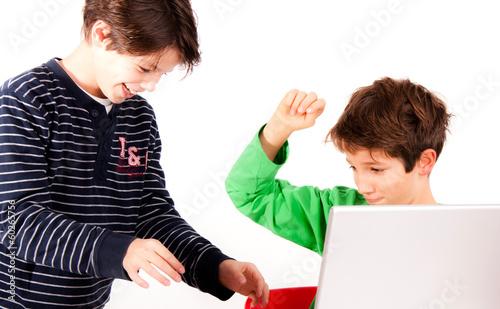 Kinder streiten sich Stockfotos und lizenzfreie Bilder