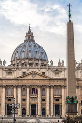 Fotomurales - St. Peter's Basilica in Vatican City in Rome, Italy.