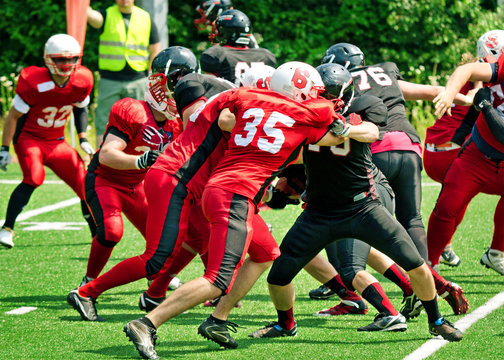 American Football Scrimmage Blocking - Spielszene