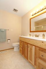 Warm tones small bathroom