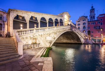 Obraz Rialto Brücke in Venedig - fototapety do salonu