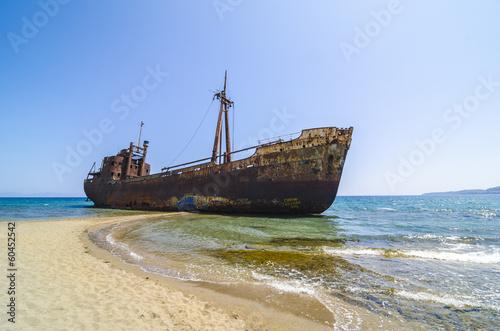 Fototapete Gytheio shipwreck