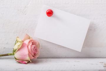 Rose mit Zettel