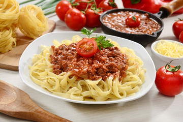 Noodles with bolognese sauce