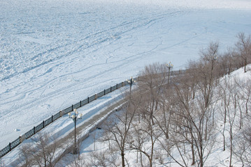 Набережная зимой