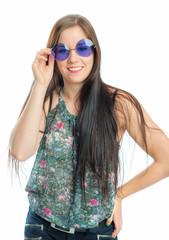 Hippiemädchen mit Brille