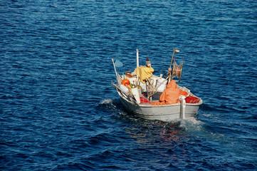 navigazione di un pescatore solitario
