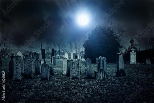 Fototapete Cemetery night