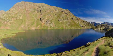 Sotllo Lake. Towards Pica d'Estats, top of Catalonia, Pyrenees