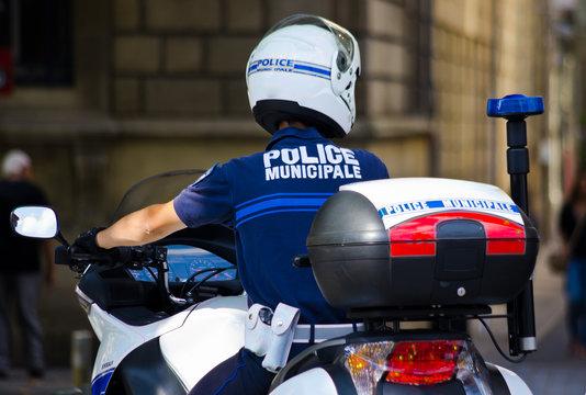 Motard de la police municipale