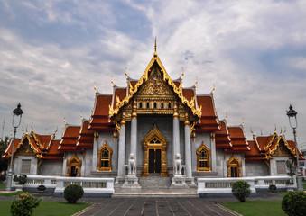 Photo sur Aluminium Lieu de culte Marble Temple (Wat Benchamabophit Dusitvanaram), tourist attract