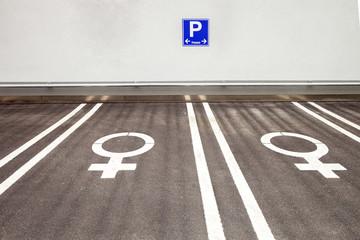 Frauenparkplatz parken