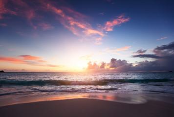 Fotomurales - Sunset on Seychelles beach