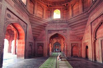 Praying in Agra. Wall mural