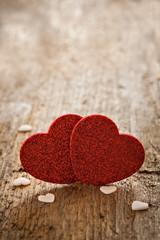 Herzen auf Holz mit Textfreiraum