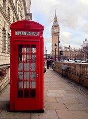 Papiers peints Rouge, noir, blanc Red Telephone Booth and Big Ben in London, UK.
