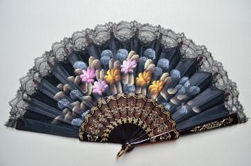 Handfächer mit Blumen - Muster