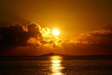 Sunrises over Kaohikaipu (Black/Turtle) Islands with sunlight re