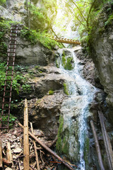 Wall Mural - Górskie wąwozy wodospad