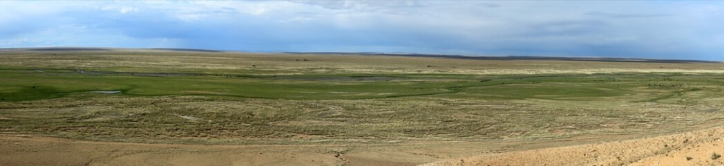 Die unendlich weite Steppe der Mongolei