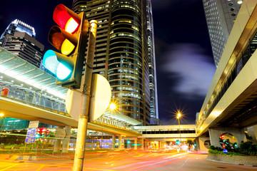 Traffic light in the city Fotomurales