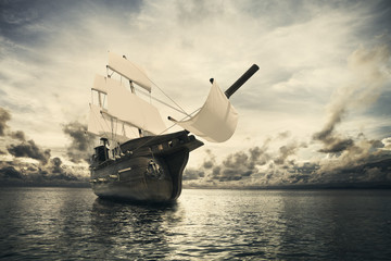 Papiers peints Navire The ancient ship in the sea