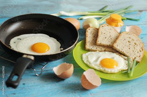 еда яичница желток  № 746984 загрузить