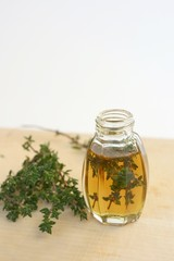Thyme infused italian extra virgin olive oil