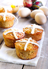 Hot cross cakes