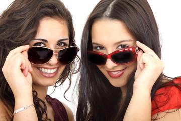 zwei mit Sonnenbrille