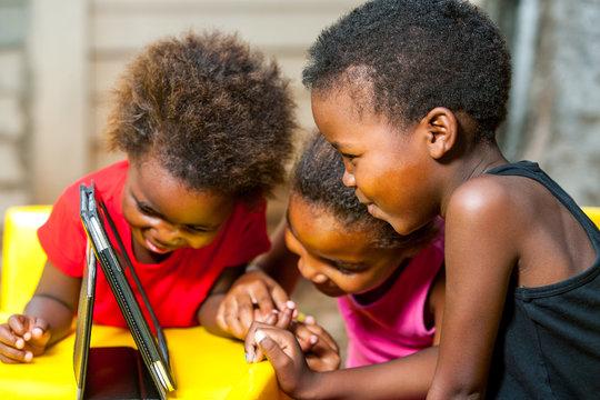 8,292 BEST Black Kids Tablet IMAGES, STOCK PHOTOS & VECTORS | Adobe Stock