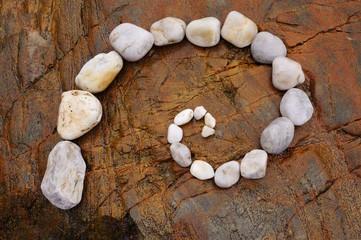 Zen Spirale aus Kieselsteinen